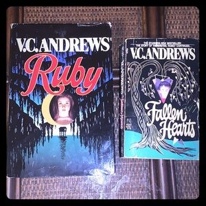 VC Andrews Book Box Ruby Hardcover & Fallen Hearts